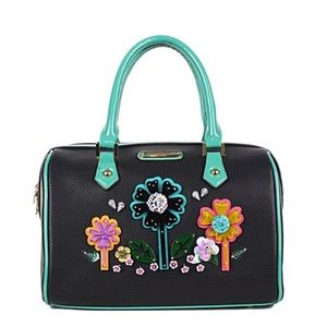 ✤ Laser Cut Pop Flowers Boston Bag